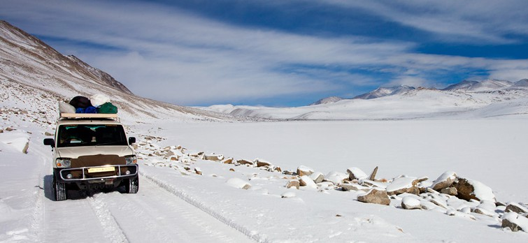 ladakh-snow-covered-roads